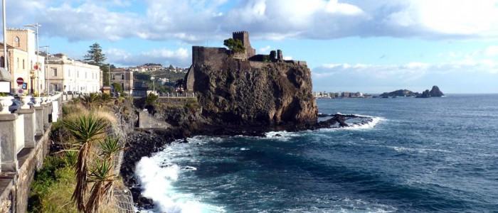 Acicastello Castel