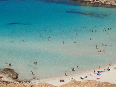 Sicilia-Lampedusa-spiaggia-conigli